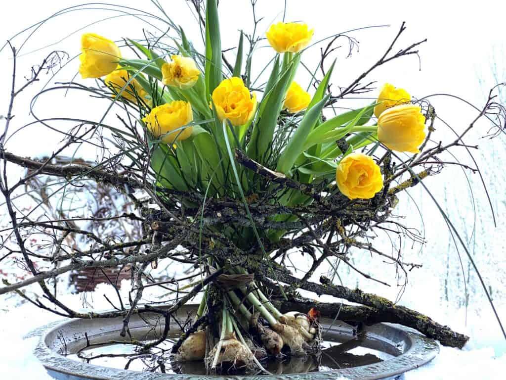Stehstrauß mit Tulpen